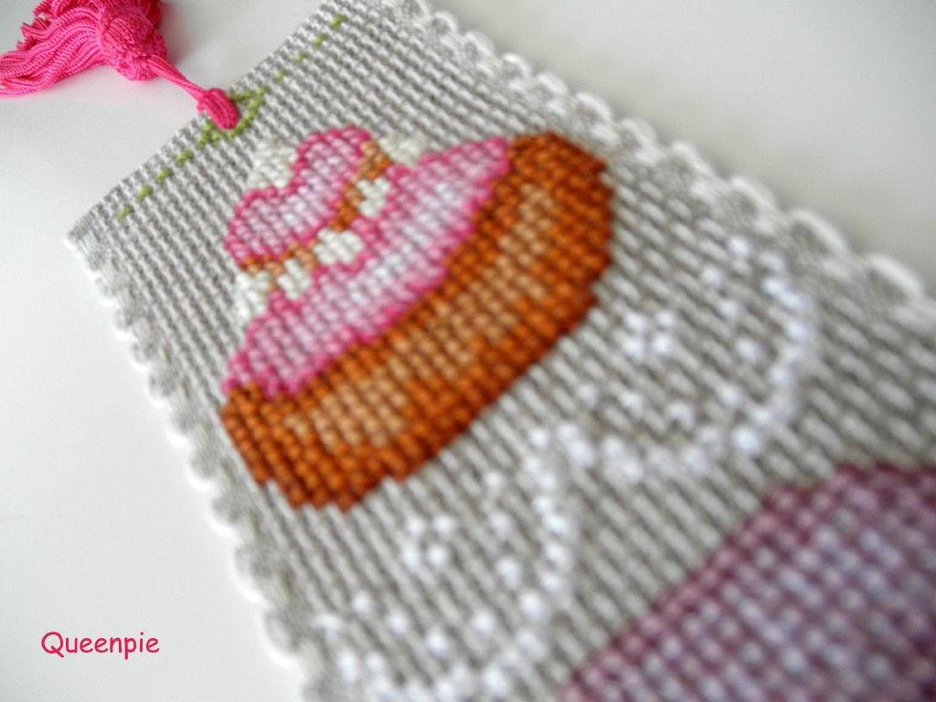 grille broderie religieuse